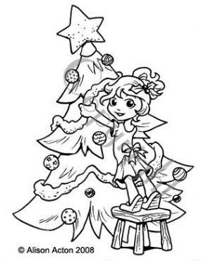 Charlotte decorating tree